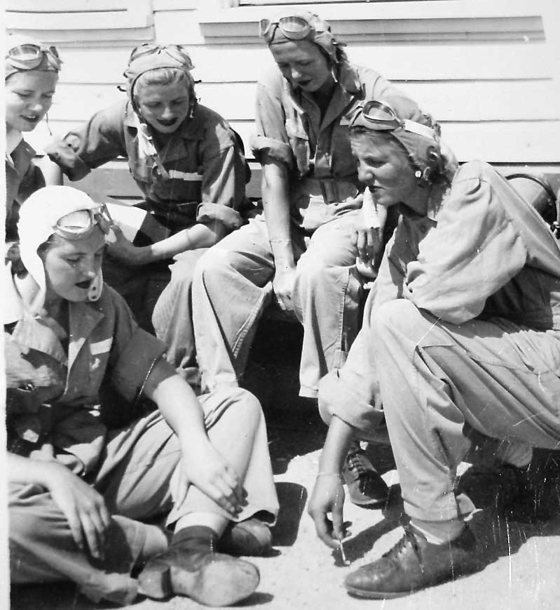 women of wwii The second world war changed the united states for women, and women in turn transformed their nation over three hundred fifty thousand women volunteered for military service, while twenty times as many stepped into civilian jobs, including positions previously closed to them.